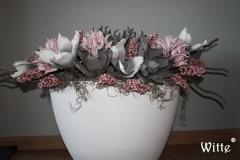 foambloemstuk roze 3  (50x70x25cm) € 75,00