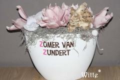 foambloemstuk roze 10 (30x30x20cm) € 45,00