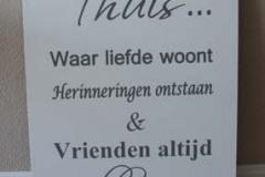 tekstbord Thuis (60x40cm) € 20,00